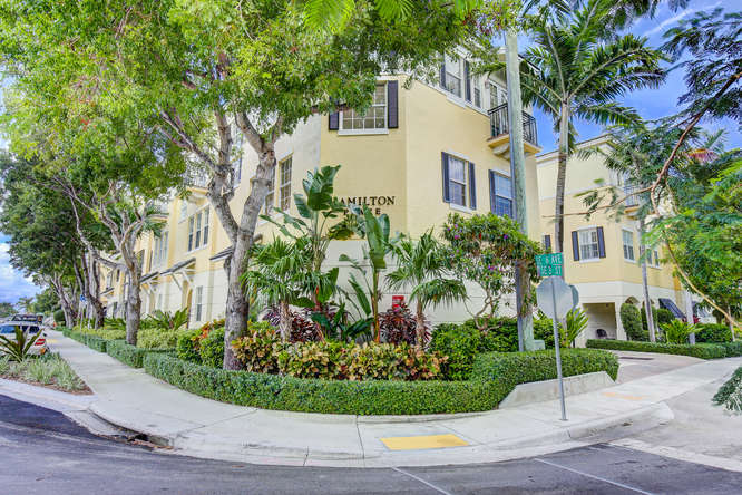 Hamilton Place Townhome For Sale in Delray Beach Florida